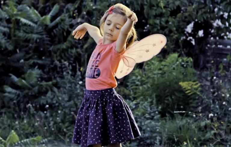 Una niña (Petite fille)