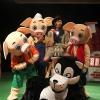 Oink! Oink! Oink! Somos os tres porquiños