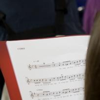 Nenos e nenas cantan poemas de Cabanillas