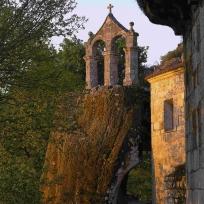 San Pedro de Rocas. Fragmento dunha imaxe de Mani Moretón