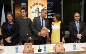 El secretario xeral de Política Lingüística, Valentín García, participó en la presentación de 'A viva voz'