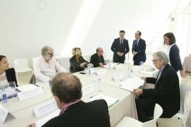 O conselleiro de Cultura e Educación, Román Rodríguez, abriu a reunión do xurado dos Premios da Cultura Galega 2016