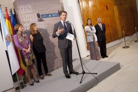 O presidente da Xunta inaugurou a exposición 'On the road'