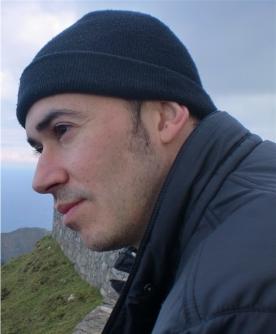 El escritor vigués Santiago Lopo