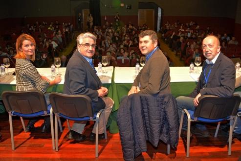 O delegado territorial da Xunta de Galicia na Coruña, Ovidio Rodeiro, acompañou ao alcalde da localidade, Juan José Dieste, no acto de apertura das xornadas